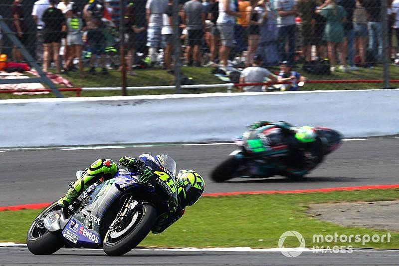 Rossi'nin podyum şansı arka lastikteki sorun yüzünden bitmiş