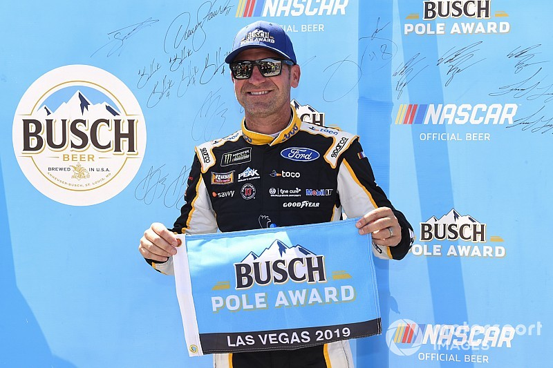Clint Bowyer wins Las Vegas pole - his first in 12 years