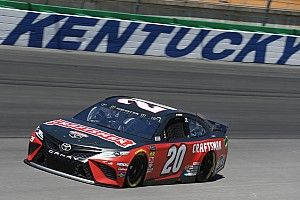 Third at Kentucky puts Erik Jones back into playoff contention