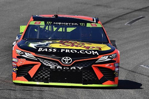 Truex cruises to Stage 1 win at Richmond