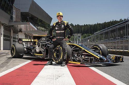 Renault: Zhou sta compiendo un test a Barcellona con la R.S.17