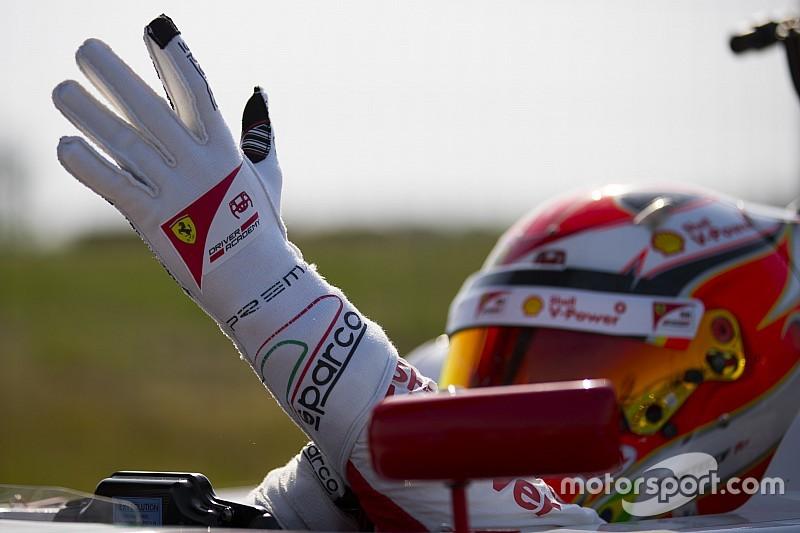 Petecof vai ao pódio em Nürburgring e sobe três posições na F4 Alemã