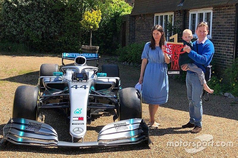 El niño que inspiró a Hamilton en España recibió una sorpresa