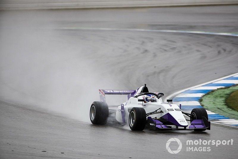 Jamie Chadwick se lleva la primera pole de las W Series