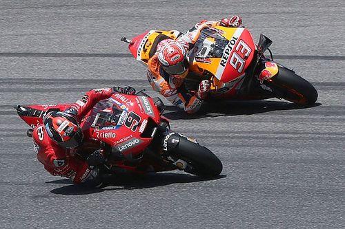 Jaga peluang juara, alasan Marquez tak serang Petrucci