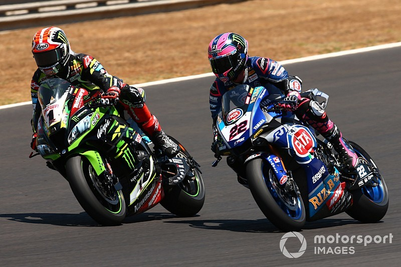 Rea bestraft voor onderuit halen Lowes in Jerez