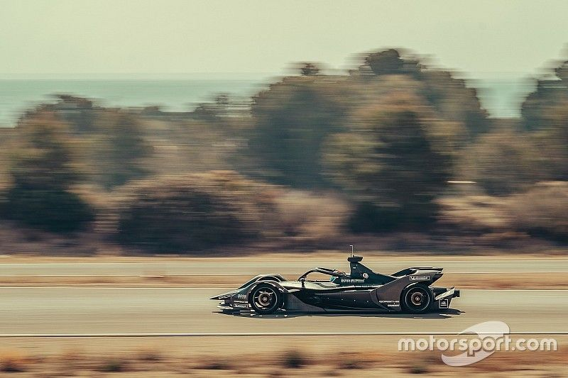 Porsche: la vera sfida in Formula E sarà correre con un team ridotto a 20 persone