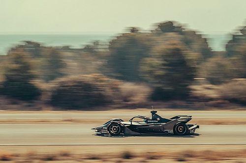 Több mint 1000 kilométert teszteltek a Porsche FE autójával