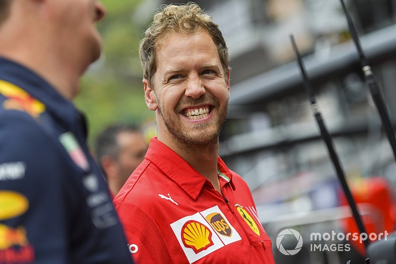 """Vettel: """"Per la Ferrari la finestra di utilizzo delle gomme è molto piccola"""""""