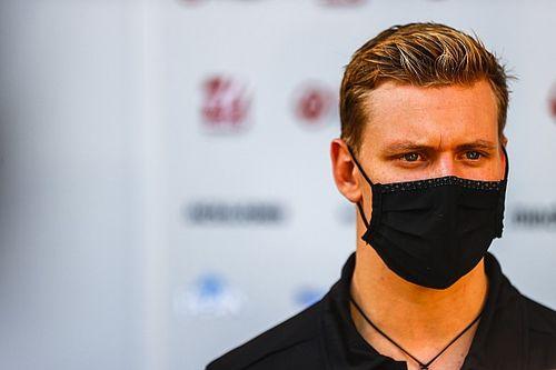Mick Schumacher Fokus Kuatkan Otot Leher