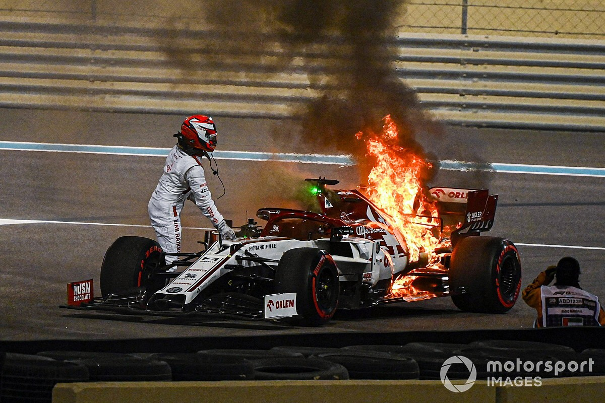 "Raikkonen: ""Nothing scary"" about FP2 fire"