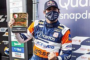 """Stock Car - Cacá Bueno celebra pole: """"estamos de volta à briga"""""""