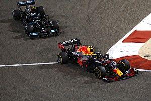 """F1: Brundle diz que rake é """"distração"""" para problemas reais entre Mercedes e Red Bull"""