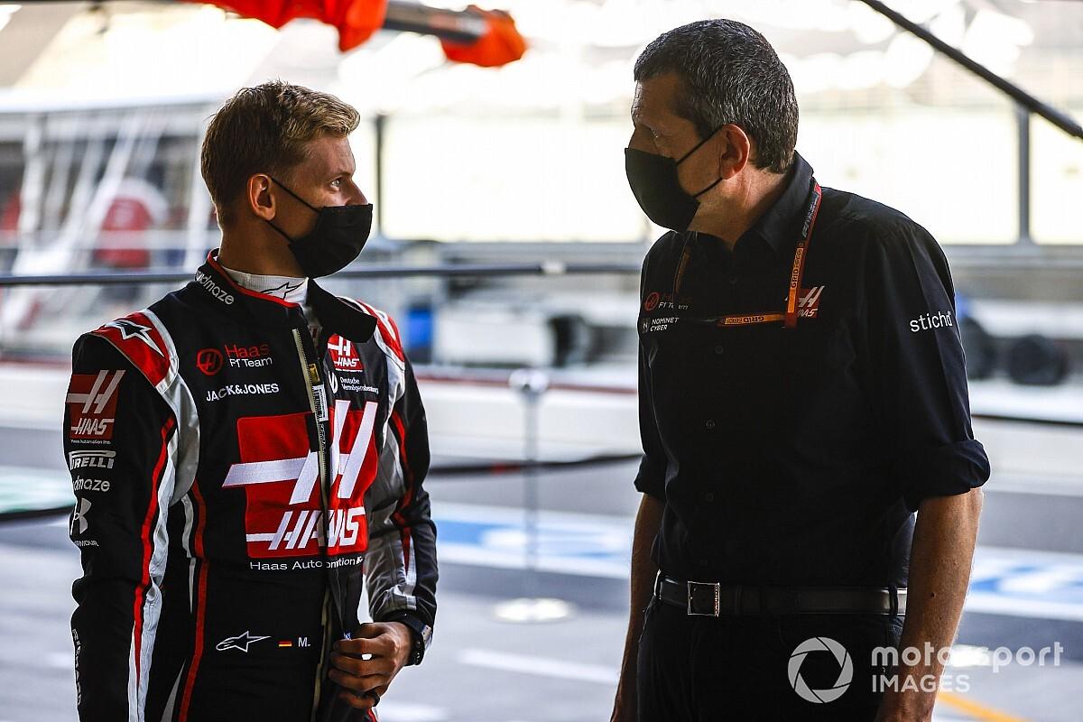 """Vasseur: """"Ferrari, Giovinazzi'nin Alfa Romeo'da kalmasını istedi"""""""