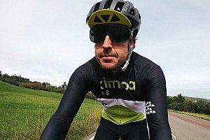 Alonso bisiklet kazası geçirdi, durumu iyi!