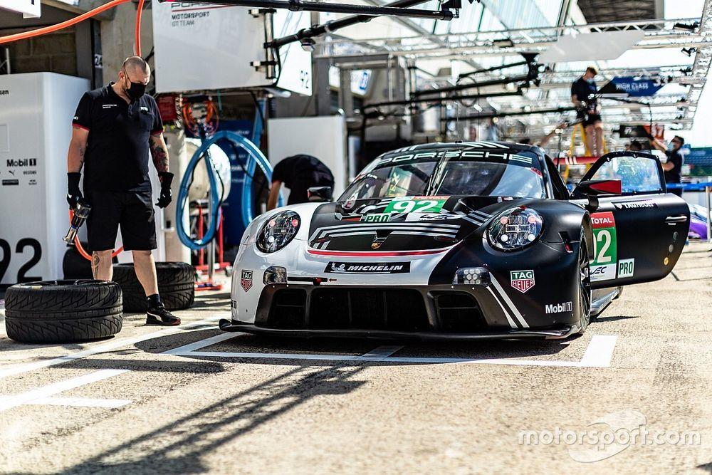 """Porsche facing """"disadvantage"""" in Le Mans GTE fight"""