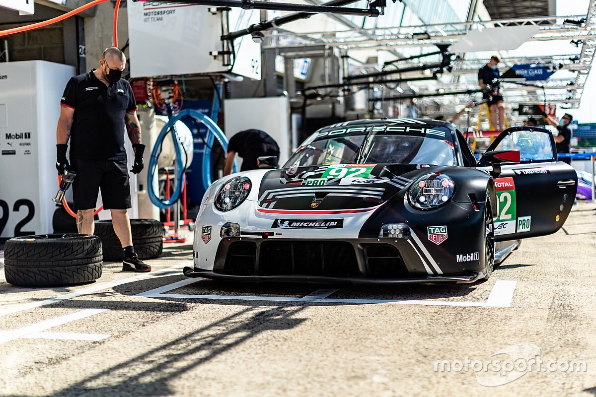 "Porsche facing ""disadvantage"" in Le Mans GTE fight"