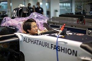 角田裕毅、アルファタウリのファクトリーでシート合わせ実施。イモラのレース後にテストも予定