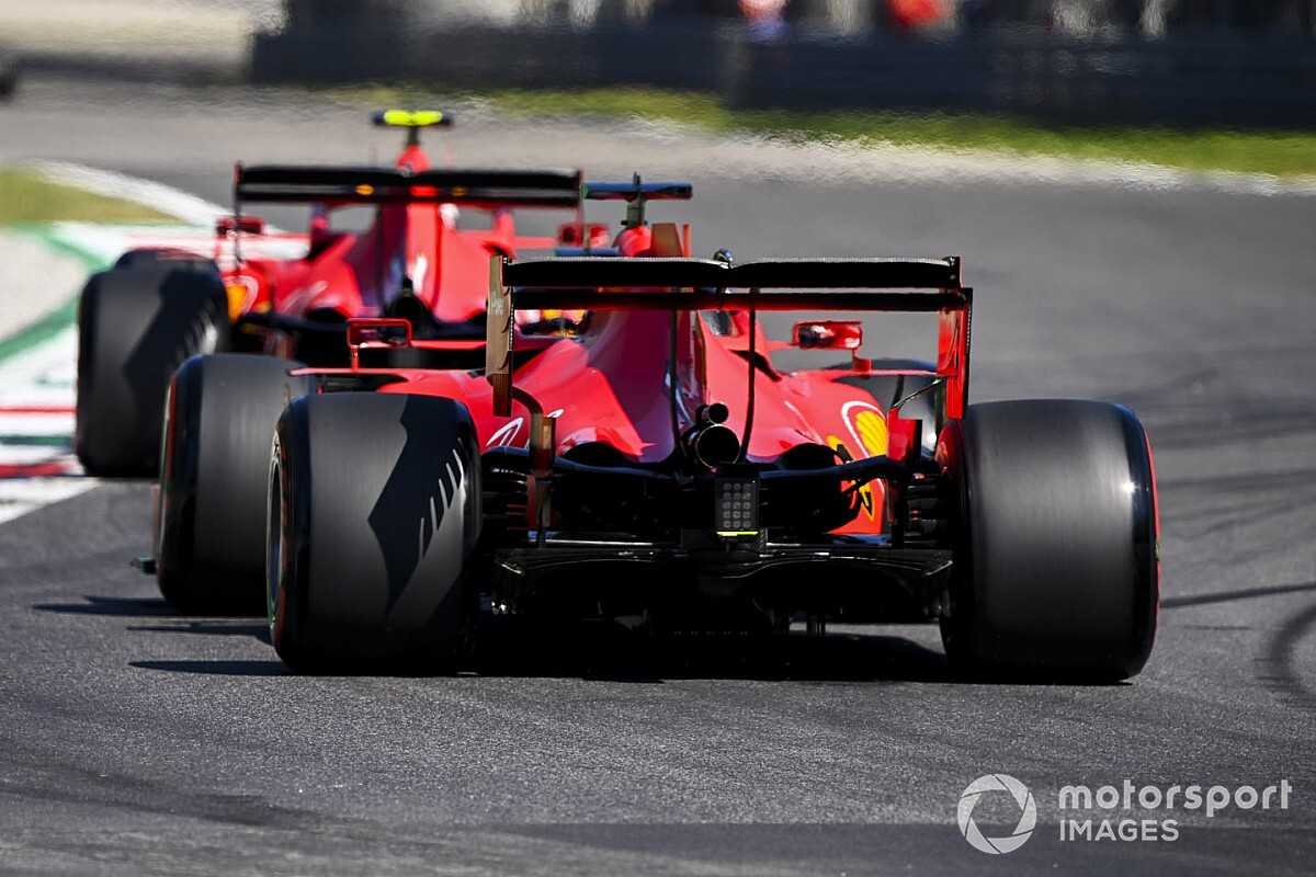 Okolicznościowe malowanie Ferrari