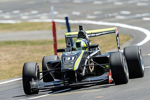 Manfeild TRS: Norris wins New Zealand Grand Prix
