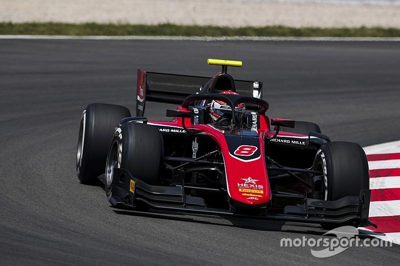 Расселл выиграл гонку Ф2 в Барселоне – она прерывалась четыре раза