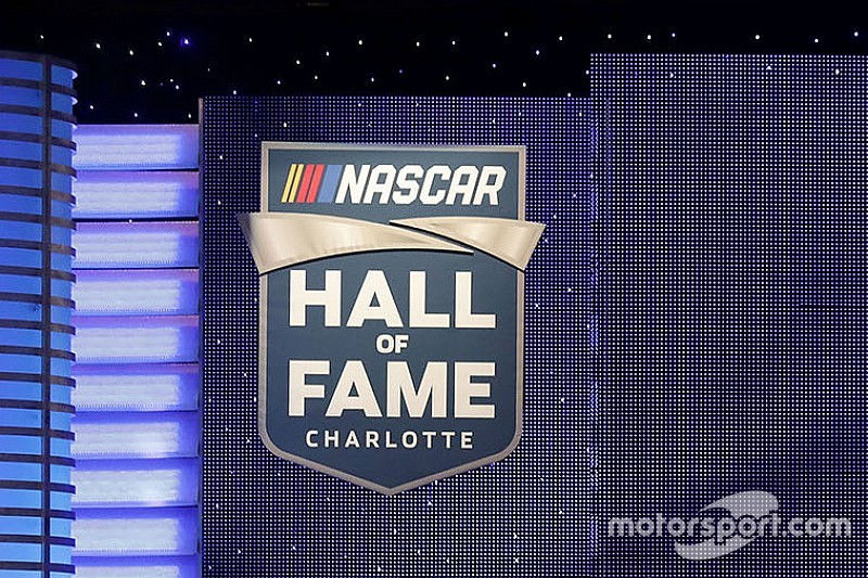 "Emotionen in Charlotte: Jeff Gordon & Co. in der ""Hall of Fame"" der NASCAR"