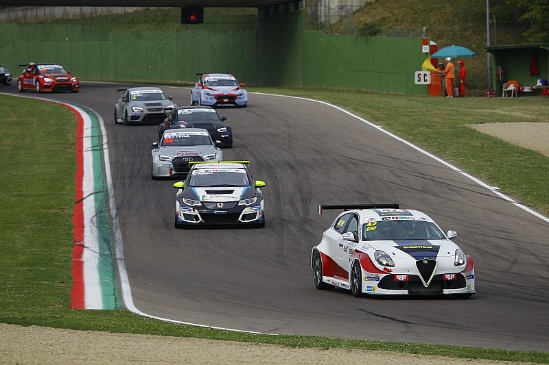 A Misano due Alfa Romeo in azione: Ferrara punta al vertice, debutto per Cappello