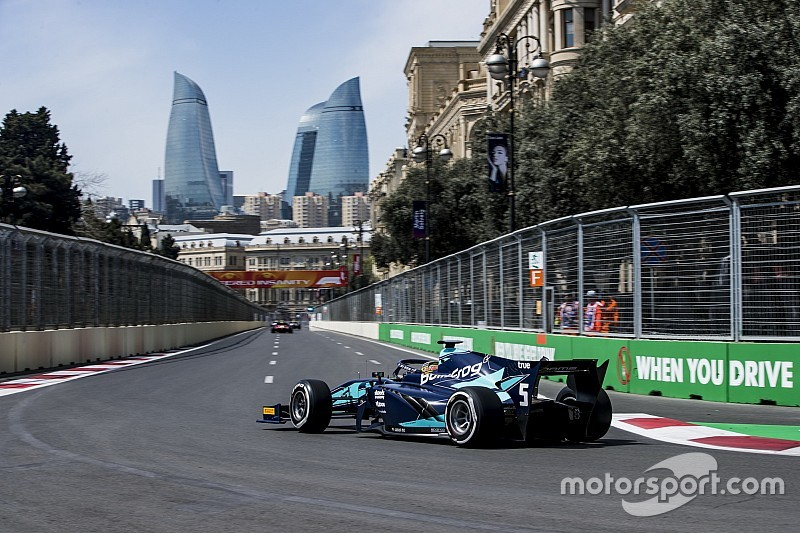 Formel 2 Baku: Albon gewinnt chaotisches Hauptrennen
