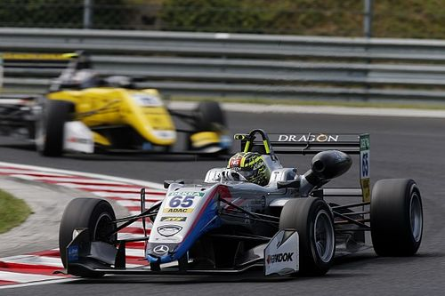 Ахмед впервые выиграл гонку европейской Формулы 3