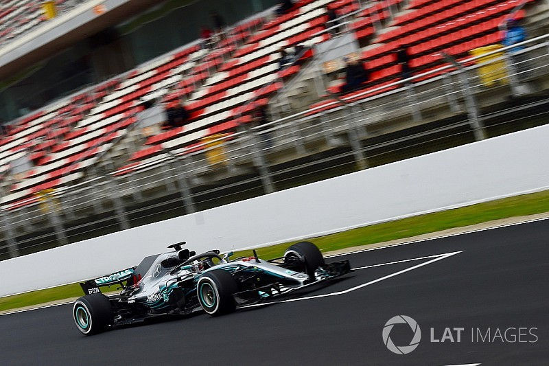 Mercedes se mantiene cauto tras el primer día de pruebas