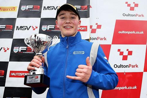 Monger scores British F3 podium on racing return