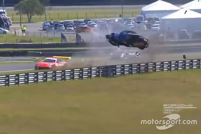 Разбитые Porsche и коровы на ралли: лучшее гоночное видео уик-энда
