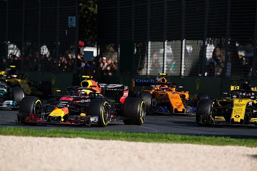 """Verstappen: TV izleyicisi olsam """"sıkıcı"""" Avustralya GP'sini izlemezdim"""