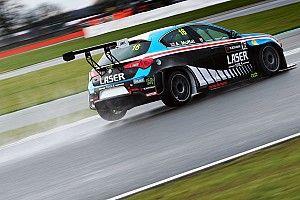 Moffat e Laser Tools Racing discutono con il TCR UK e lasciano la serie