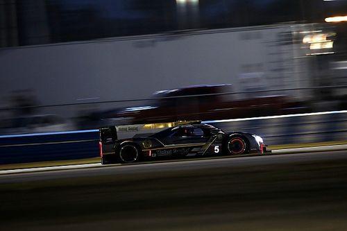 24 Ore di Daytona, 16° ora: Barbosa continua in testa. Disfatta Penske