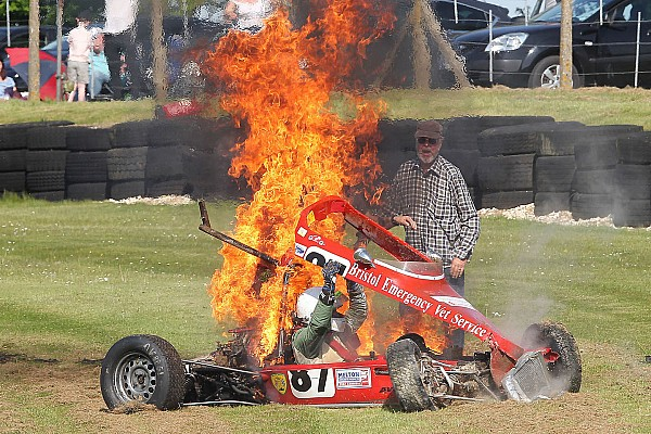 General Breaking news Historic Formula Ford driver saved from fiery crash