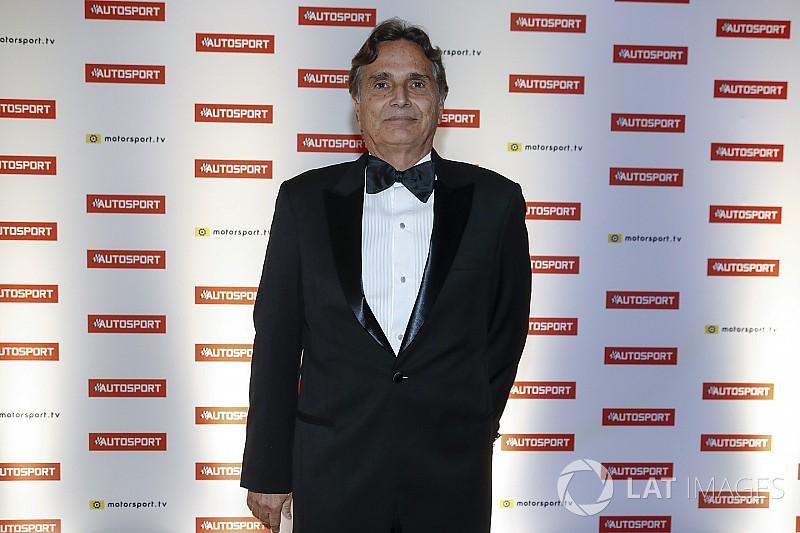 Nelson Piquet étreint par l'émotion lors des Autosport Awards
