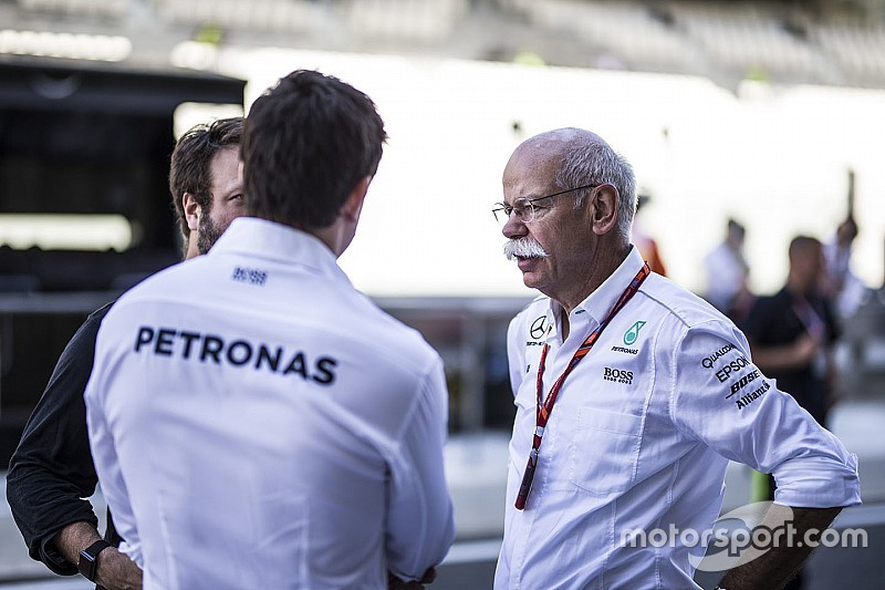 Цетше уйдет с поста главы Daimler AG. Что об этом думают в команде Mercedes?
