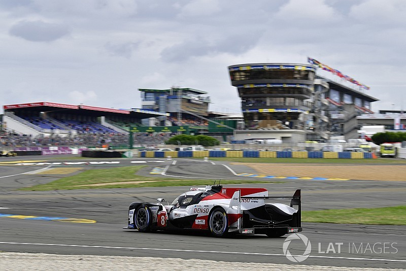 Alonso toont klasse in Le Mans: