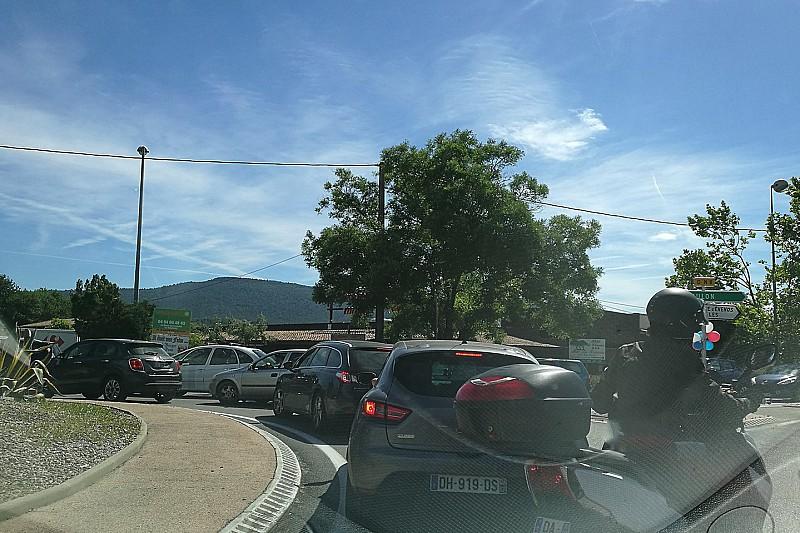 Власти Франции попытаются решить проблемы с пробками на дорогах к «Поль Рикару»