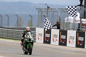 Course 1 - Rea vainqueur devant un trio de Ducati
