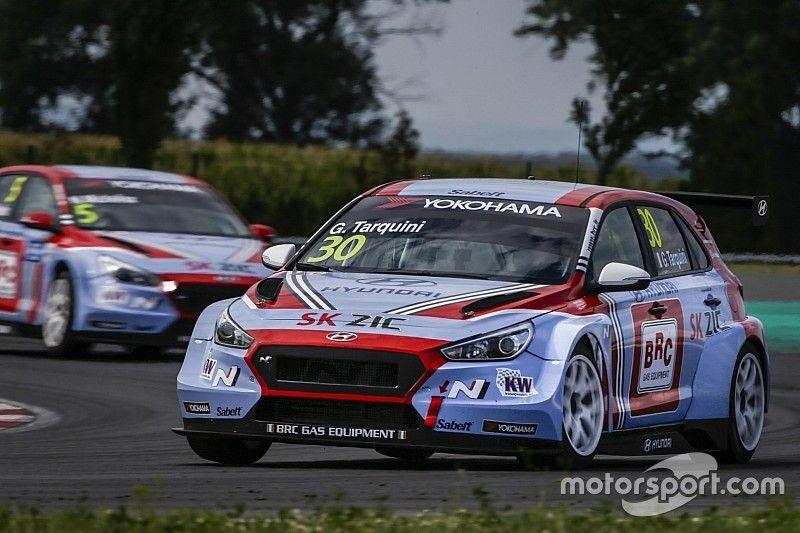 Tarquini keeps Slovakia pole as other Hyundais are excluded