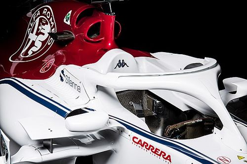 Slide view: 2018 Sauber F1 car v 2017 version