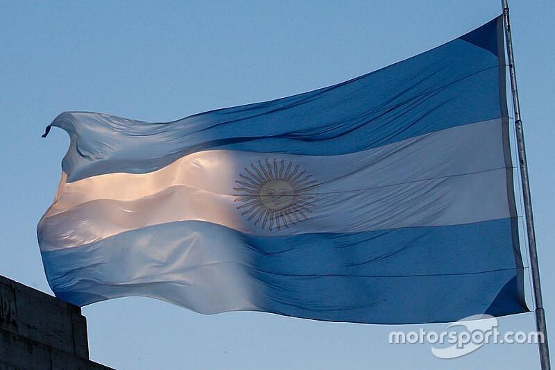Сезон MotoGP начнется в мае (гонку в Аргентине перенесли)