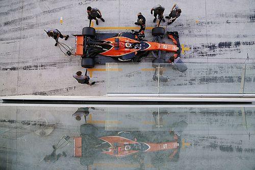 «Был реальный шанс потерять людей». Булье о ситуации в McLaren-Honda