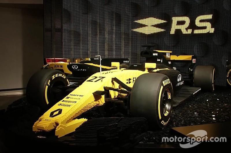 Közel 21 millió forintért kelt el a LEGO-ból épült F1-Renault