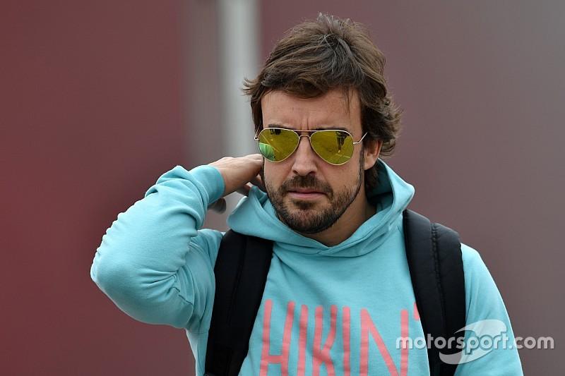 Alonso: WEC'teki taraftar erişimi F1'de işe yaramaz