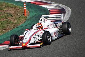 FIA-F4第4戦富士:角田裕毅、激戦を制し3戦連続ポール・トゥ・ウィン