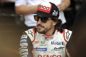 """Alonso: """"Buone le prime sessioni, i sorpassi di notte sembrano più facili"""""""