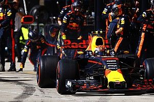 Хорнер предсказал увеличение числа пит-стопов с новыми шинами Pirelli
